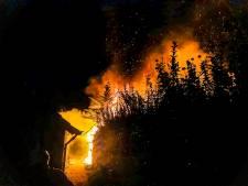 Brand in tuinen van meerdere huizen in Hendrik-Ido-Ambacht