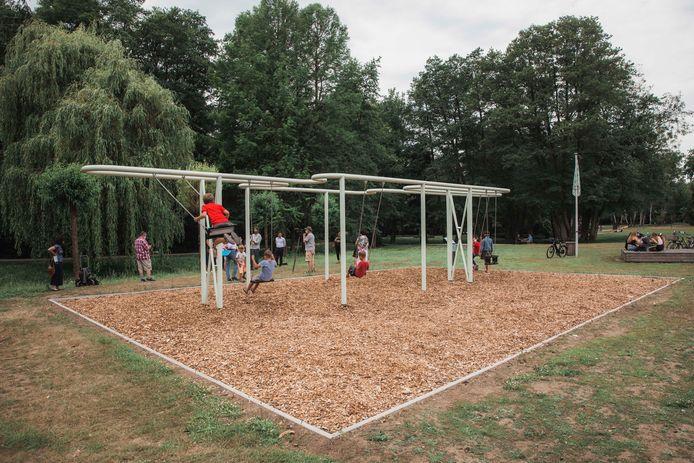 'Swingin' outside the lines' van kunstenaar Will Beckers.
