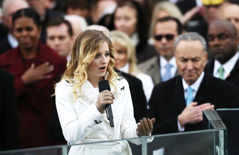 Zowat alle artiesten met naam en faam bedankten voor Trumps feestje vier jaar geleden. Hij moest het stellen met de 16-jarige Jackie Evancho, die in 2010 tweede was geworden bij America's Got Talent. Beeld REUTERS