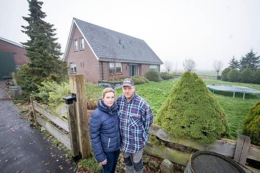 Echtpaar Rick en Frederike Keijzer over hun problemen met purisolatie. Ivm gezondheidsklachten zijn ze een aantal jaren geleden met hun kinderen halsoverkop het huis uitgevlucht. Een oplossing is er niet.
