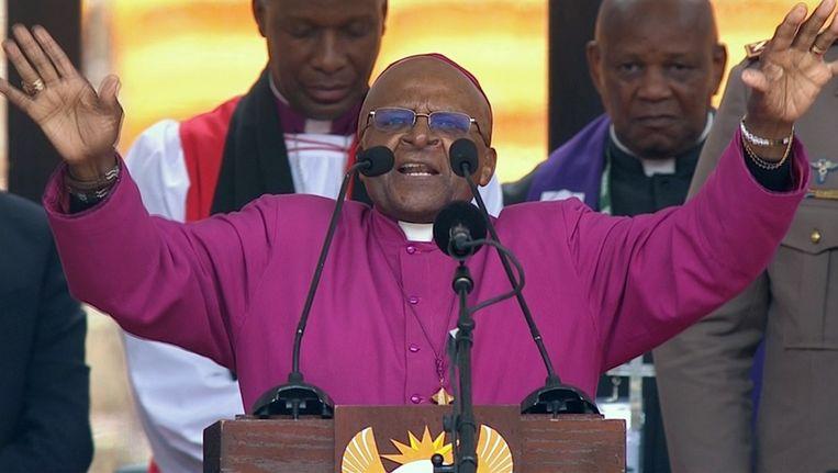 Voormalig aartsbischop Desmond Tutu tijdens de herdenking van Mandela. Beeld reuters