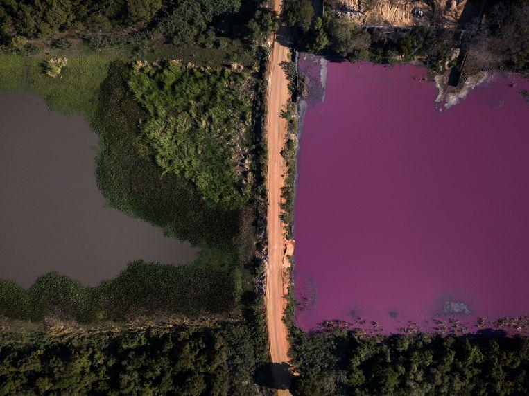 De tweekleurige lagune levert prachtige beelden op. Beeld AP