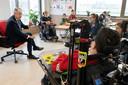 De leerlingen van Mytylschool Gabriël hadden goede vragen voorbereid voor minister Slob van Onderwijs: ,,Wat vindt u er van dat kinderen met een beperking door corona nog eenzamer zijn?''