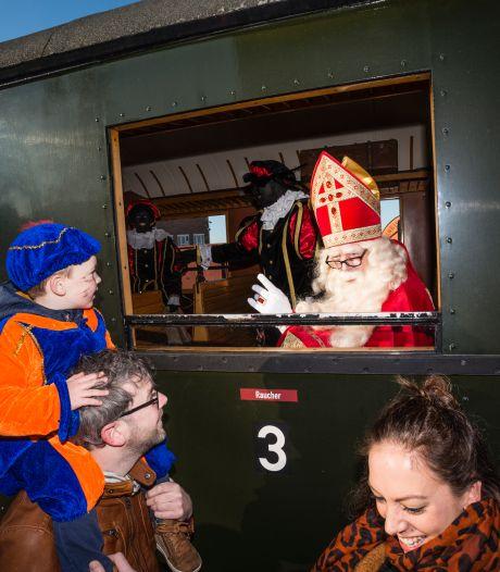 Sinterklaas schrijft brief aan Haaksbergse kinderen: 'Met de trein komen is niet verstandig'