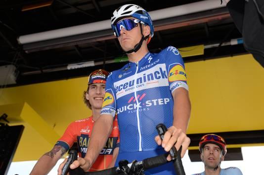 Enric Mas bij de start van etappe vier.