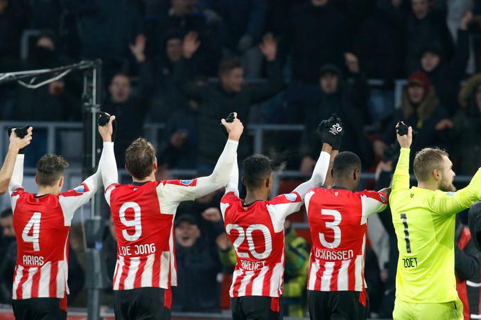 PSV blijft maar winnen en reist zondag in een luxe positie naar Amsterdam.