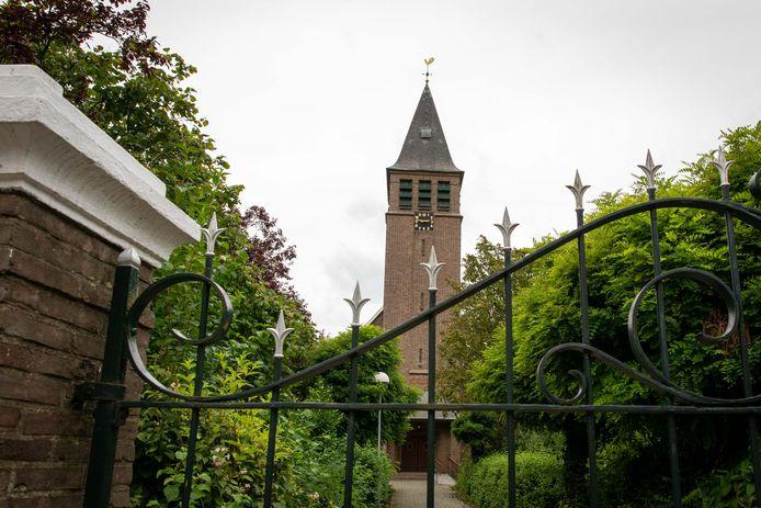 De Bethelkerk in Nieuwdorp. Het gebouw wordt verkocht aan de gemeente Borsele, maar de protestantse gemeente mag er nog jarenlang kerkdiensten houden.