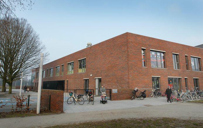 In de linkervleugel van dok Zuid zitten drie scholen, waaronder Het Kompas.