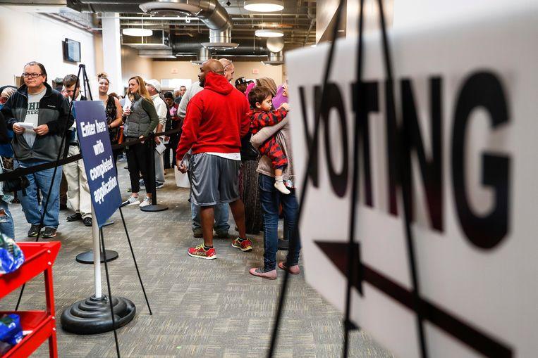 Kiezers staan in de rij in Columbus, Ohio. Beeld AP