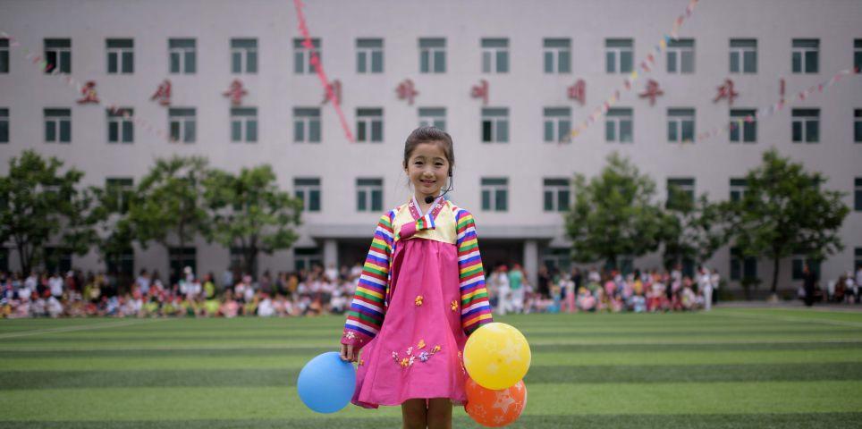 fotoreeks over De parallelle levens in Noord- en Zuid-Korea