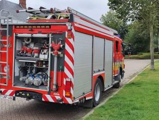 Brandweer test omleiding Polderstraat en loopt al meteen schade op bij aanrijding: tijdelijke verharding op komst