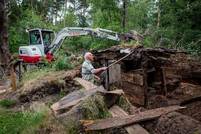 Start van werkzaamheden voor opknappen voormalige Commiezenhut aan de Vrijdijk tussen Nordhorn en Denekamp