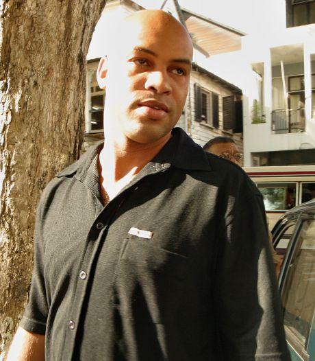Drugs en wapen in kantoor Dino Bouterse