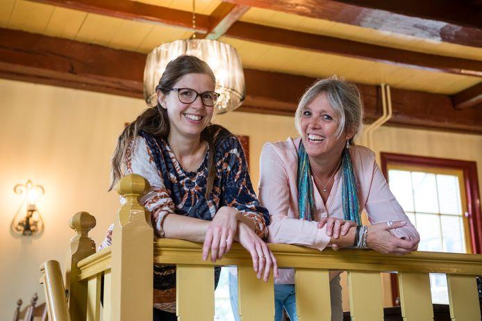 Desirée Somsen (rechts) en Eva Ploum.