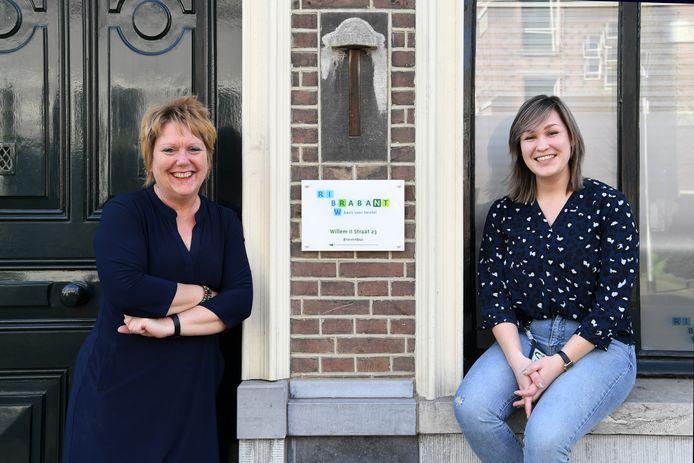 Miranda Hanegraaf (l) en Jill Haacke zijn deskundigen van het RIBW Brabant, dat hulp verleent aan psychiatrische patiënten.