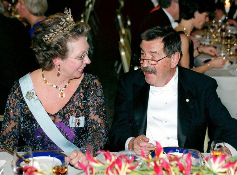 Grass met de Zweedse prinses Christina tijdens een gala in Stockholm in 1999. Beeld reuters