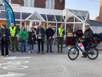 Applaus voor fietsers aan station Tienen en scholen