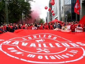 Manifestation nationale: des milliers de militants FGTB dans la rue, les ministres socialistes épargnés
