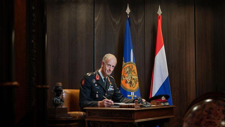 Generaal-majoor Kees Mattthijsen is in Amsterdam verantwoordelijk voor het militair ceremonieel. Beeld Mark van der Zouw
