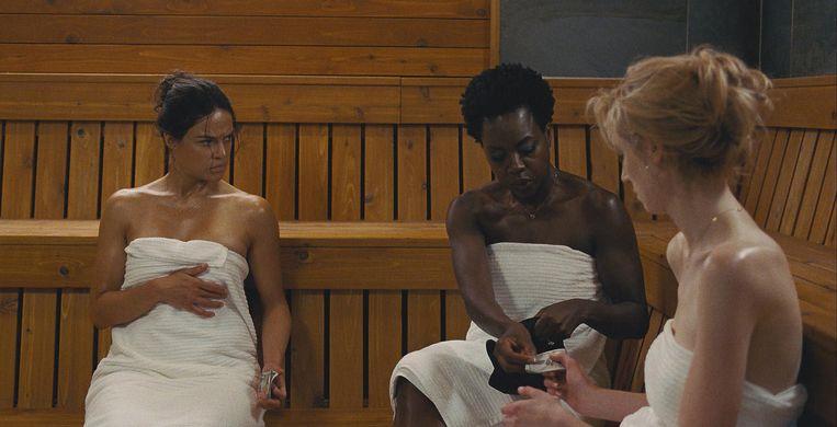 Vanaf links: Michelle Rodriguez, Viola Davis en Elizabeth Debicki in Widows. Beeld