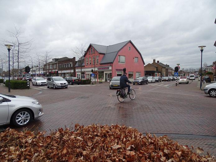Binnenkort komt er een einde aan de voor fietsers gevaarlijke situaties op de Gronausestraat in Glanerbrug. De straat wordt heringericht.