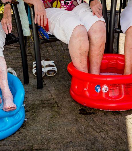 Er is een hittegolf op komst, dus doemt de vraag op: hoe overleven ouderen de warmte?