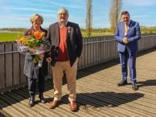 77-jarige Wim, 'nestor van Nederlandse autojournalistiek', krijgt lintje tijdens speciale livestream in Wijhe