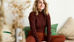 Kijk hier mee achter de schermen bij onze fotoshoot met actrice Charlotte De Bruyne uit 'De Twaalf'