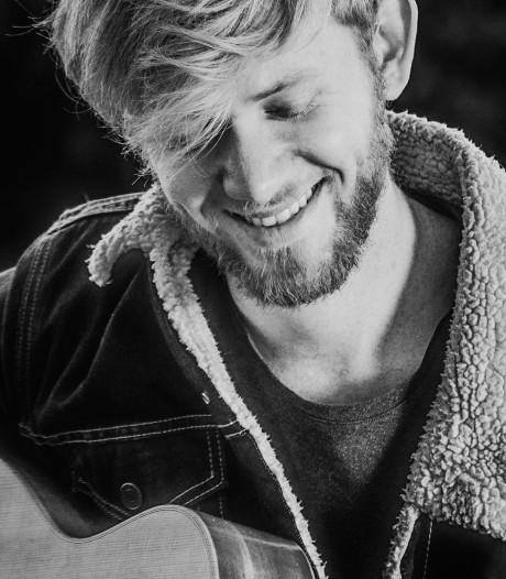Oostburgse singer-songwriter Joe Buck heeft hit te pakken en mag optreden op CMA Fest in Nashville
