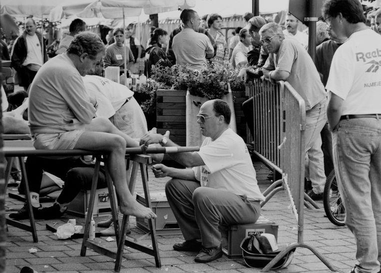 De Dodentocht door de jaren heen: het Vlaamse Kruis verzorgt de wandelaars