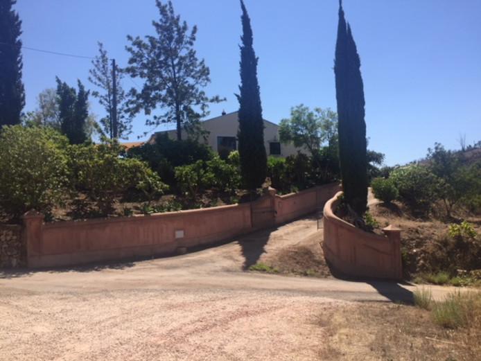 Casa Do Moinho, de villa van de Temminks, staat nog fier overeind.
