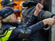Autodief rijdt bijna fietser omver tijdens achtervolging door politie in Vlijmen