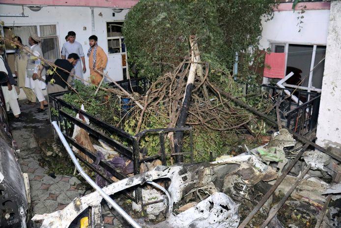 De binnenplaats die werd getroffen door de drone-aanval