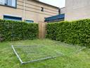 Recent werd een hekwerk gesloopt en belandde in de tuin van de woonvoorziening voor blinden en slechtzienden.