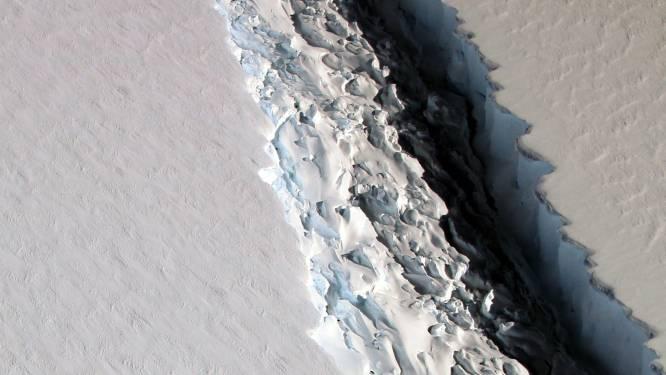 Gigantische ijsberg op Antarctica staat op afscheuren