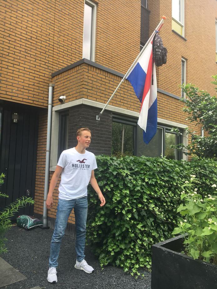 'En nu lekker op vakantie', zegt de voor zijn havo geslaagde Twan de Bas uit Nieuwkoop.