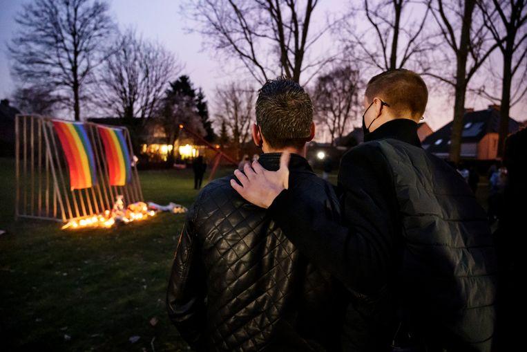 Een wake voor David Polfliet, die begin maart in een park in Beveren vermoord werd. Hoewel er officieel geen motief van homohaat is uitgesproken, raakte de zaak de ziel van de lgbtqi+-gemeenschap. Beeld Eric de Mildt