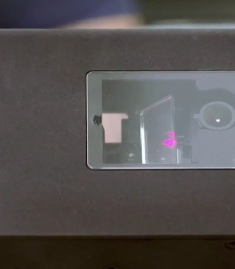 Dit apparaat jaagt met lasers op irritante muggen in huis