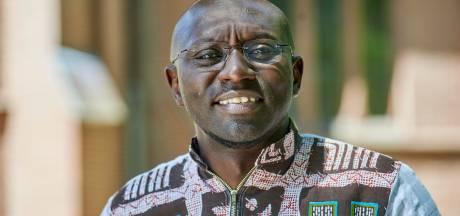 Pater Charles uit Kameroen wil al basketballend de jongeren terug in de kerk krijgen: 'Geloof moet blij maken'