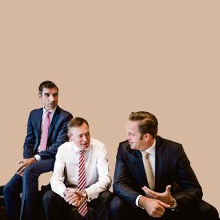 Ministers Bruins, De Jonge en staatssecretaris Blokhuis: 'Minder tijd aan papier besteden, meer tijd aan zorg'