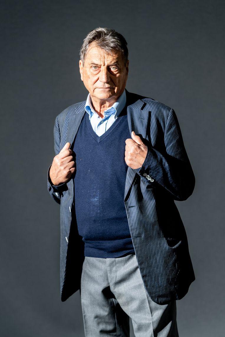 Wat betekent het om oud te worden? Hoeveel hebben we nog gemeen met wie we ooit waren? Claudio Magris (81) vraagt zich dat af in Gekromde tijd in Krems. Beeld Getty