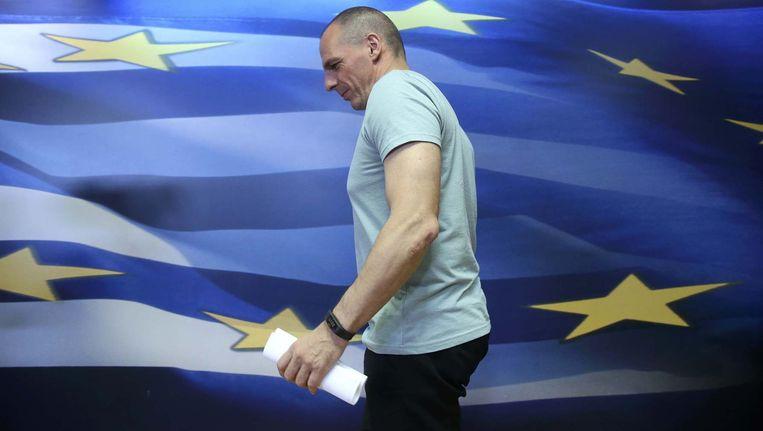 Voormalig Grieks minister van Financiën Yanis Varoufakis voor een persconferentie gisteren. Beeld REUTERS