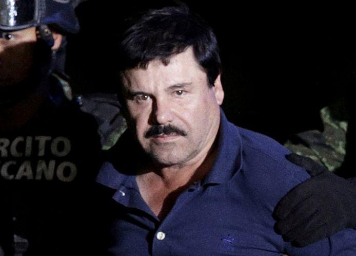Drugsbaas Joaquín 'El Chapo' Guzman, geëscorteerd door Mexicaanse soldaten in 2016.