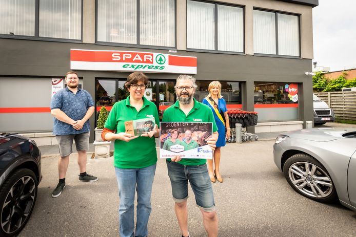 De Spar Express in Oostnieuwkerke is verkozen tot ambassadeur van 'Ik Koop Lokaal'
