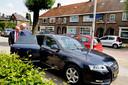 Dienstauto met chauffeur van burgemeester van Tilburg  Peter Noordanus. Archiefbeeld