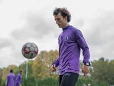 """Beerschot-jeugdspeler Tomas (20) overwon leukemie en is nu kapitein van zijn ploeg: """"De club is me steeds blijven steunen doorheen de zware strijd"""""""