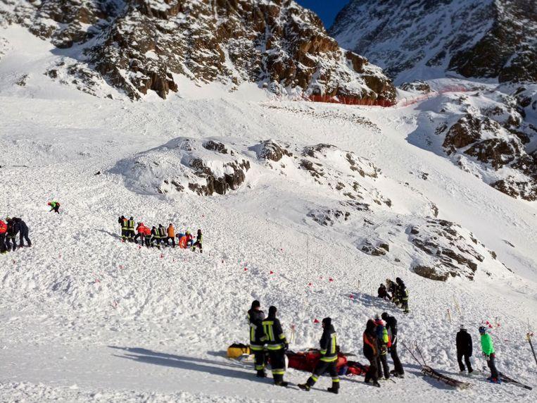 Skiërs die buiten de piste aan het skiën waren, hebben waarschijnlijk de lawine veroorzaakt.