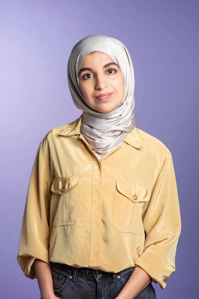 Kandidaat-Kamerlid Kauthar Bouchallikht kan het eerste Kamerlid worden dat een hoofddoekje draagt.