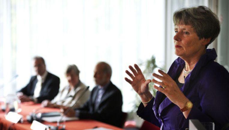 Voorrzitter Louise Gunning-Schepers van de commissie-Gunning presenteert vandaag het onderzoek naar de grote misbruikzaak in Amsterdam. © anp Beeld