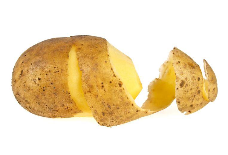 In feite gooien we met de schillen vooral een groot deel van de voedingsstoffen weg Beeld -